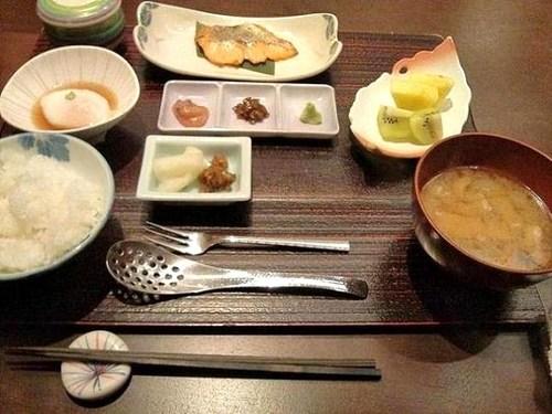 F1010745星野川治朝食.jpg